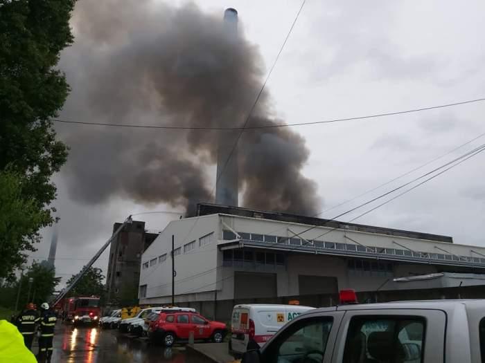 Incendiul de la hala din Prahova ar fi fost provocat de un angajat. Ce dovezi au găsit anchetatorii