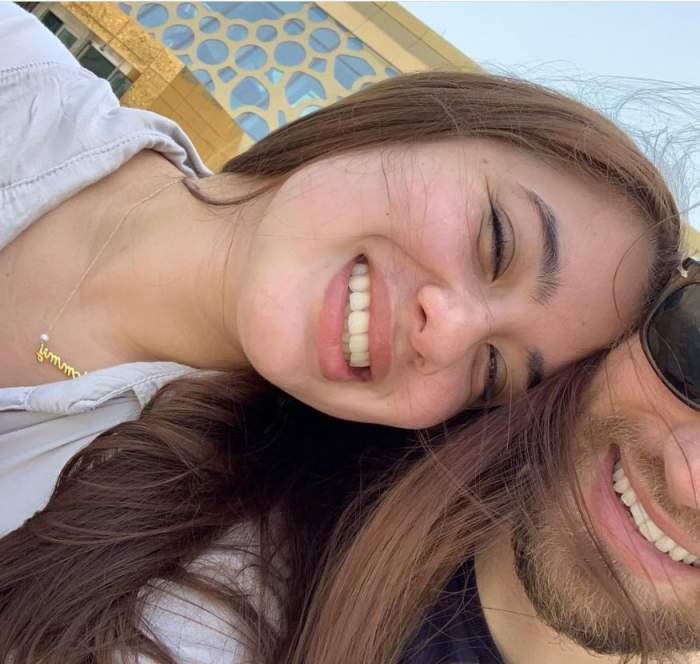 Cum a murit, de fapt, Caroline Crouch, tânăra mămică de 20 de ani ucisă de soțul grec. Ceasul inteligent pe care îl purta a dovedit tot