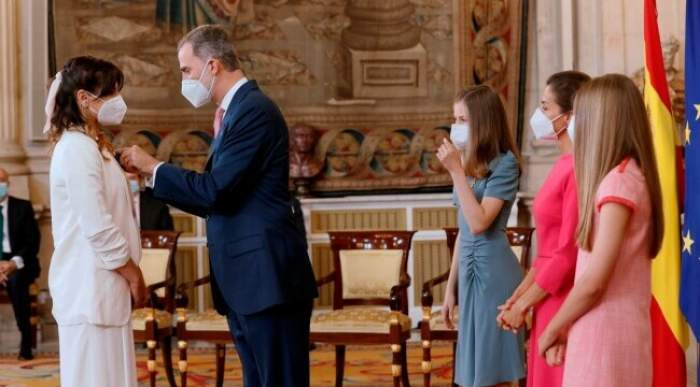 """Românca decorată de regele Spaniei. Alice Cozma a fost șofer voluntar de ambulanță în pandemie: """"Nu credeam că voi trăi asta"""""""