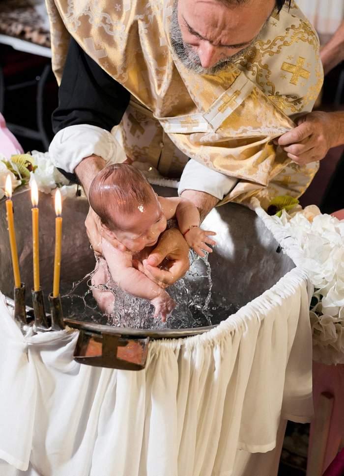 Obligațiile nașilor de botez. Ce trebuie săștii când decizi săbotezi un copil