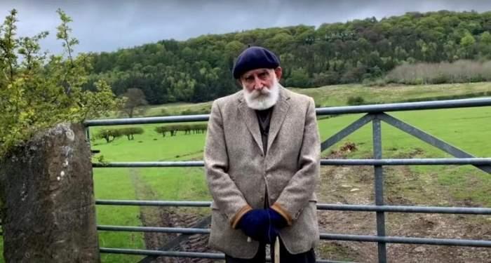 Cum a devenit un britanic în vârstă de 84 de ani viral pe YouTube. John Butler are milioane de vizualizări