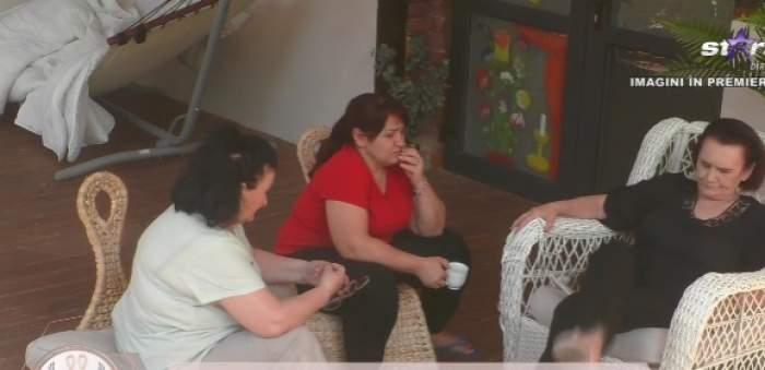 """Mamele, extrem de supărate pe fetele din casa Mireasa, urzeala soacrelor. Concurentele ar fi foarte dezordonate: """"Haine aruncate peste tot"""" / VIDEO"""