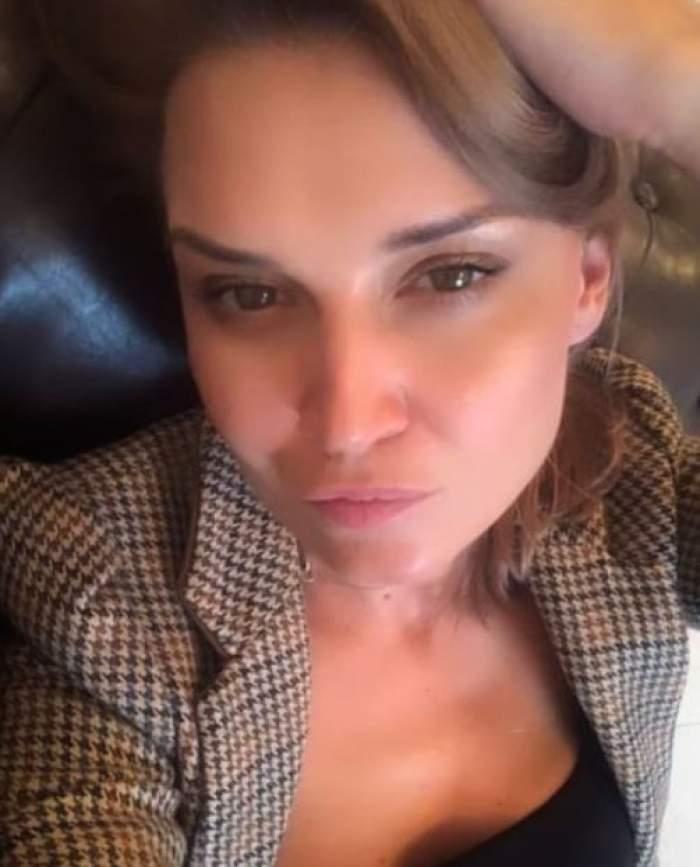 Cine este și cu ce se ocupă sora lui Cătălin Scărlătescu. Carmen Istrate se laudă cu o frumusețe ieșită din comun! / GALERIE FOTO