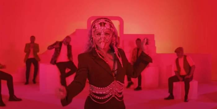 """Loredana Groza, o nouă manea. Cine sunt cei opt maneliști care cântă împreună cu ea piesa """"Suflet și trup"""""""