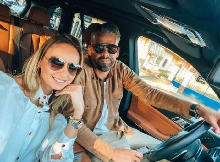 Roxana Ionescu alături de Tinu Vidaicu în mașină.