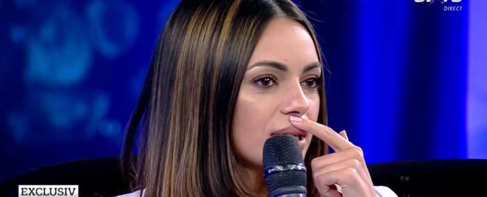 """Cosmina Adam vrea să își pună silicoane. Artista a dezvăluit la Xtra Night Show cum vrea să arate: """"Le-am probat"""" / VIDEO"""