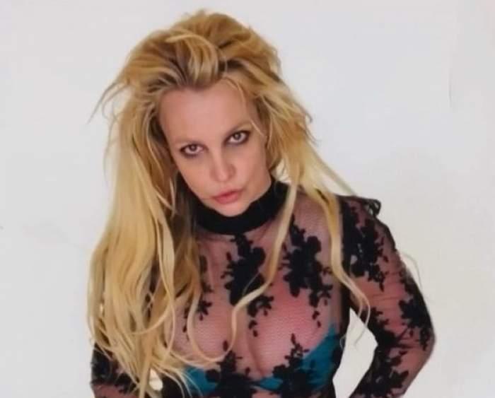 Britney Spears într-o bluză transparentă pe Instagram