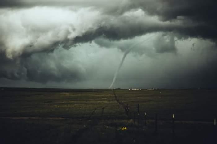 Furtună pe câmp
