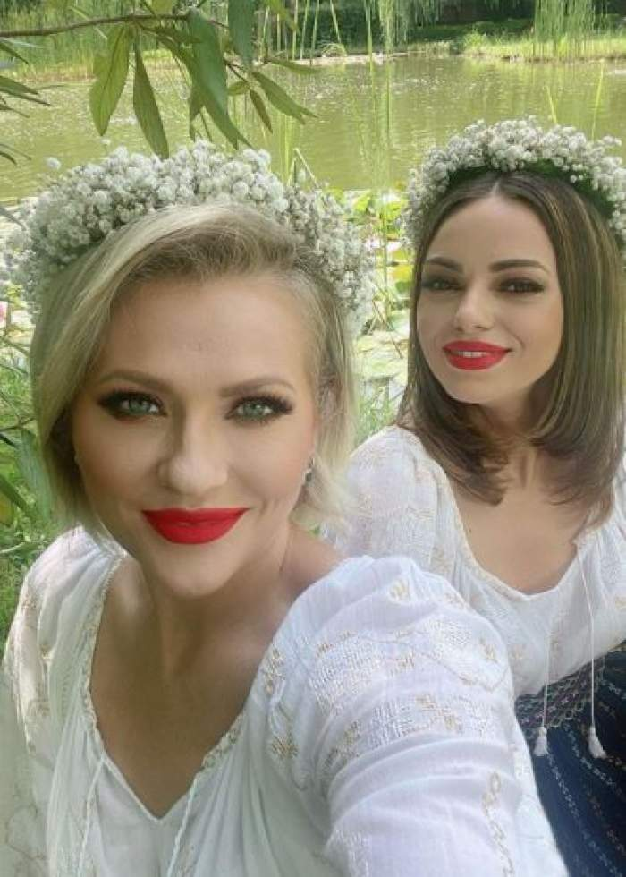 Mirela Vaida și Cosmina Adam, selfie.