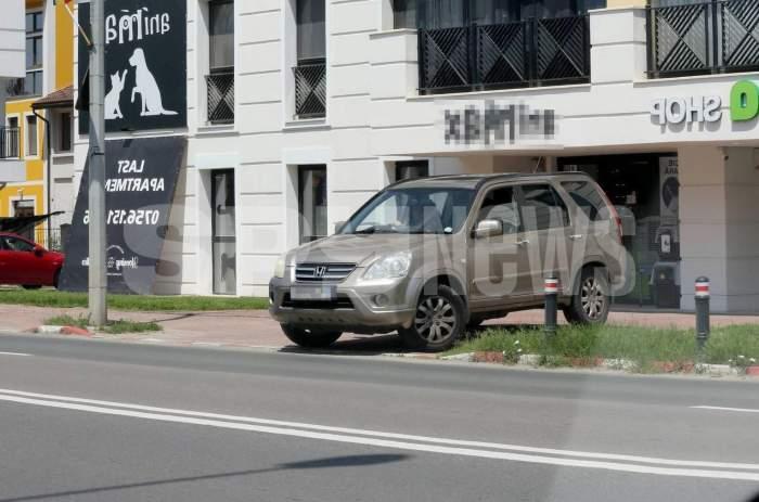 Silvia Chifiriuc, nu știi că graba strică treaba? Soția lui Petre Roman a vrut să le facă pe toate, dar a comis-o în trafic! Ipostaze controversate cu artista pe străzile Capitalei / PAPARAZZI