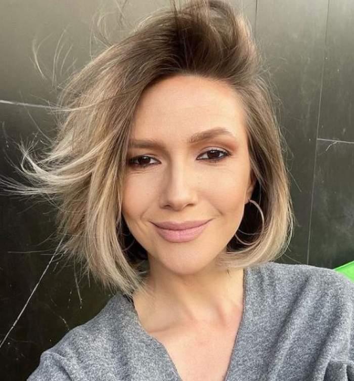 Adela Popescu, selfie cu părul scurt.