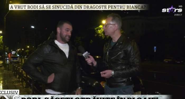 Alex Bodi în timpul unui interviu.