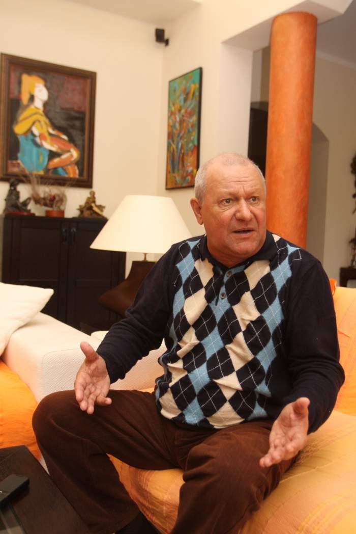 Cristian Țânțăreanu în casă.