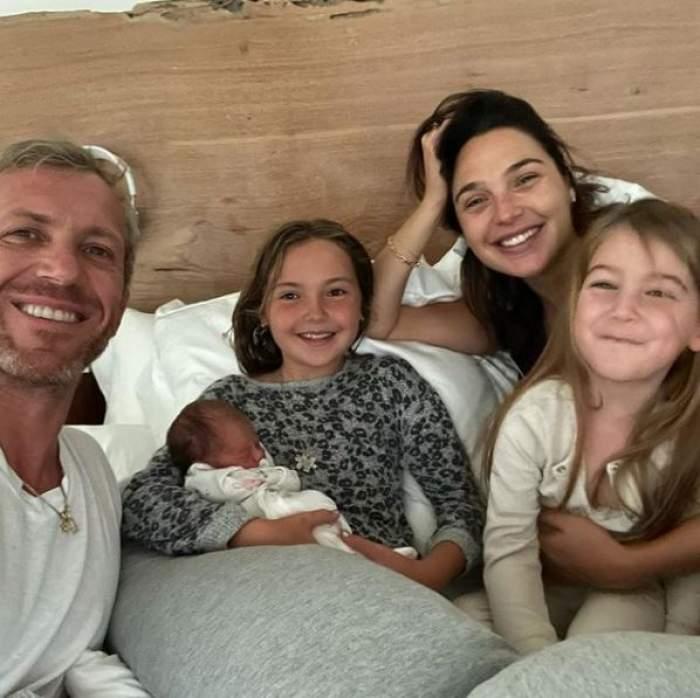 Gal Gadot a născut. Vedeta a dus pe lume cel de-al treilea copil. Ce nume a ales pentru fetiță / FOTO