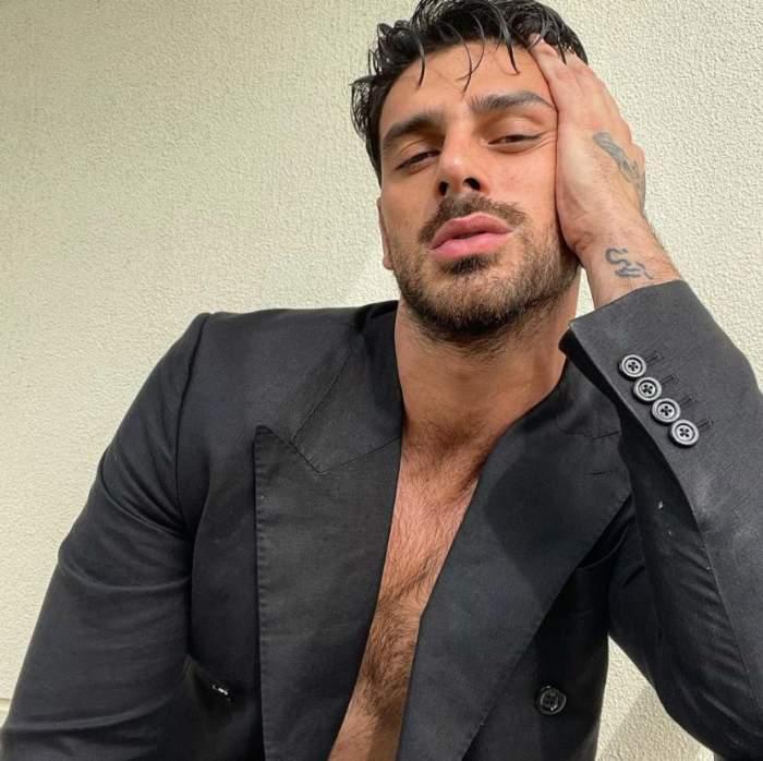"""Răspunsul lui Michele Morrone, după ce internauții l-au întrebat dacă este sau nu gay. Starul din 365 Days a dat cărțile pe față: """"Ceva normal"""""""