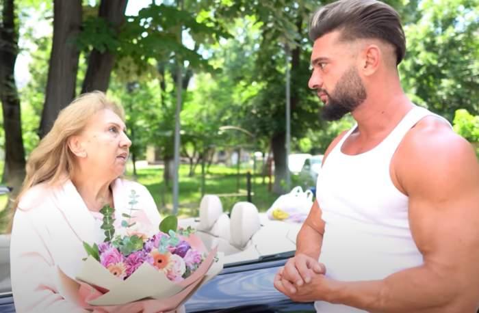 dorian popa si mama lui in fata spitalului