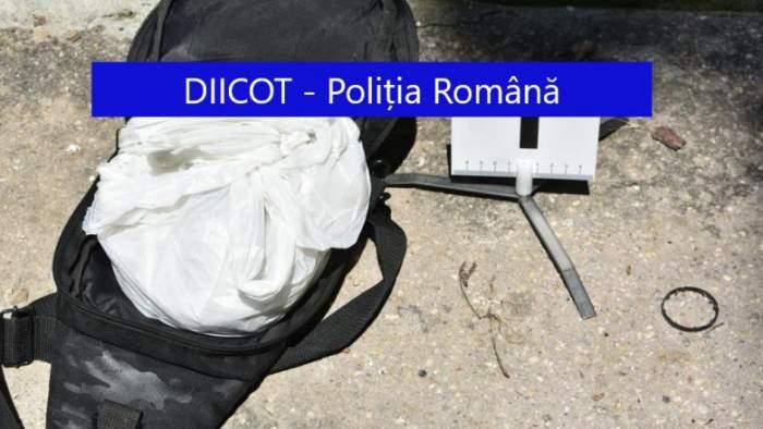 Un traficant de droguri din București a aruncat pe geam un rucsac plin cu heroină. Cum a ajuns marfa în mâinile polițiștilor / FOTO