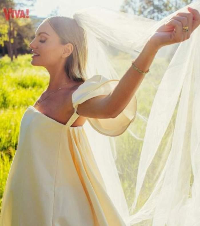 Alexandra Stan în rochie de mireasă.