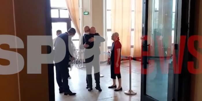 Vasile Dancu și Radu Popa, ultim omagiu pentru Florin Condurățeanu! Politicienii i-au adus o coroană impresionantă regretatului jurnalist / VIDEO
