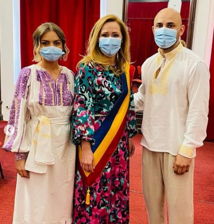 Imagini de la cununia civilă a Alexandrei Stan cu Emanuel Necatu. De ce au ales să poarte costume populare în ziua cea mare / FOTO