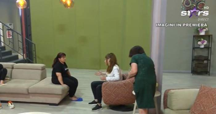 Cosmina vorbind cu doamna Daniela în casa Mireasa