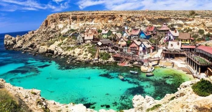 Schimbare majoră pentru turiștii care și-au planificat vacanța în Malta! Anunțul făcut de ministrul Sănătății