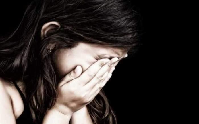 Caz cutremurător la Ploiești! O fetiță de 10 ani a fost agresată de 4 băieți într-o toaletă publică
