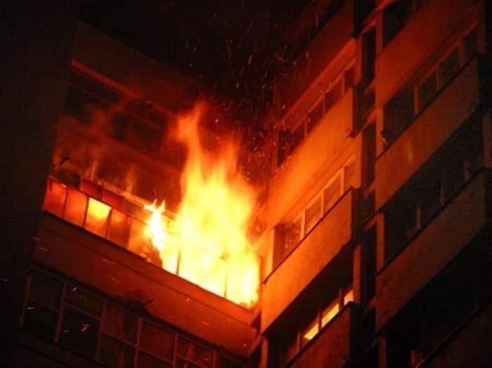Un bărbat din Anglia a aruncat în aer apartamentul în care locuia cu familia sa. Era îngrozit că ar putea fi părăsit de soție