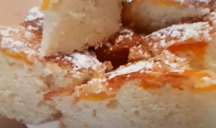 Prajitură cu caise și iaurt grecesc. Rețetă de desert ușoară și rapidă