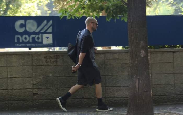 BRoMania a lăsat mașina de fițe pentru mersul pe jos. Cum a fost surprins celebrul vlogger, după ce a devenit pieton / PAPARAZZI