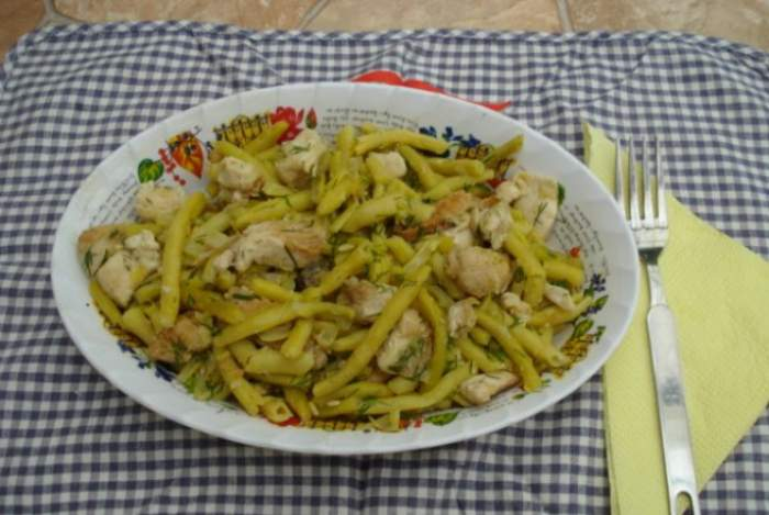 Salată de fasole verde cu maioneză. Rețetă de sezon gustoasă și simplă