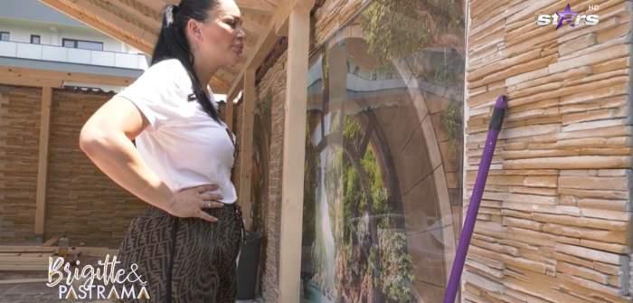 """Brigitte și Florin Pastramă au dat startul renovărilor de vară! Cum a reacționat soțul vedetei la indicațiile acesteia: """"Dacă nu plângi, degeaba"""" / VIDEO"""