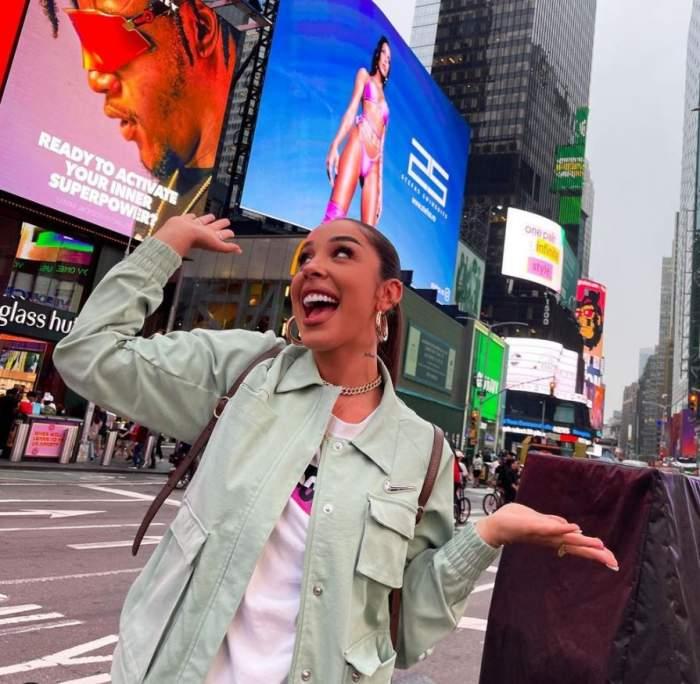 """Ștefania a devenit celebră și la New York! Iubita lui Speak a apărut pe marile ecrane din oraș: """"Promit că pot și mai mult"""" / FOTO"""