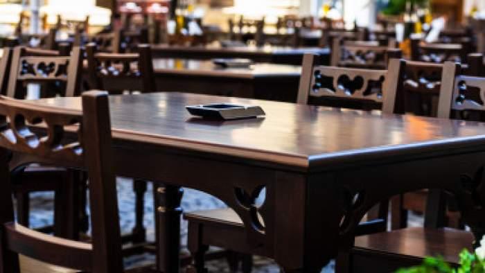 Accesul în restaurante ar putea fi doar pe baza certificatului verde. Anunțul făcut de Dan Barna