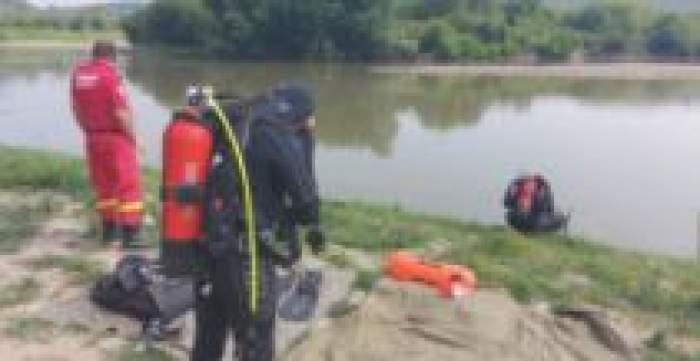 Salvatorii pe malul râului