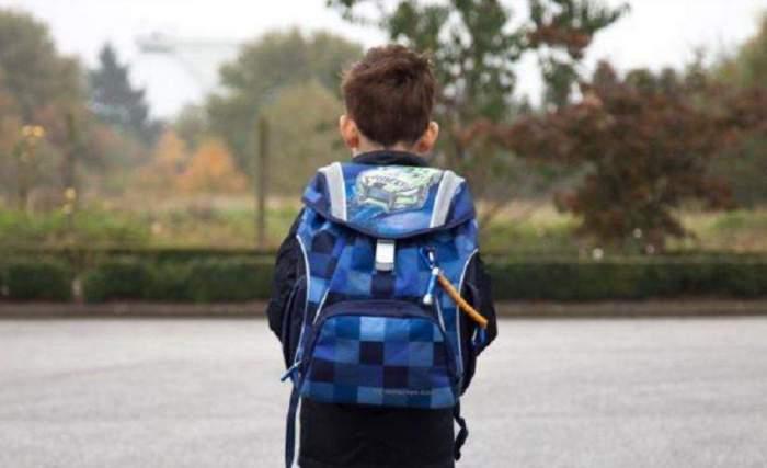 Băiatul care s-a arucat de la fereastra unei școli din București fusese internat la Psihiatrie. Mama minorului nu a informat instituția despre afecțiunile fiului