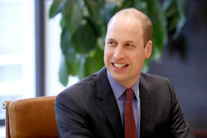 Ce nume folosea prințul William în facultate pentru a nu fi recunoscut ca fiind membru al familiei regale britanice. Acesta își dorea să fie tratat ca un student obișnuit