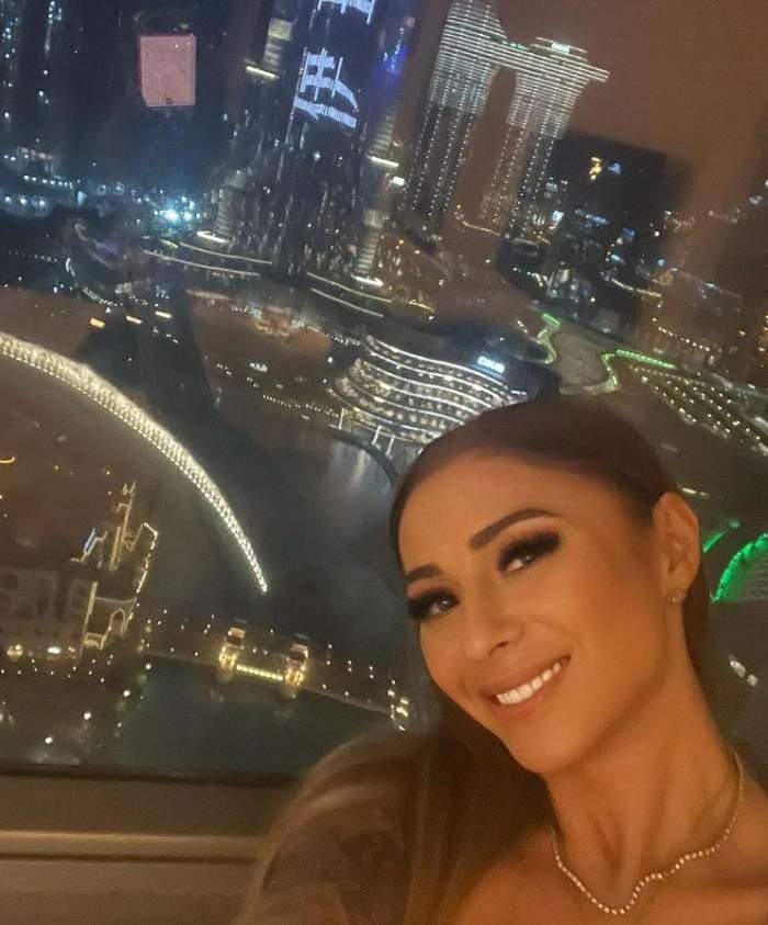 """Anamaria Prodan s-a întors în Dubai. Cât de fericită este sexy impresara, după ce a scăpat de stresul din România: """"Pace"""" / FOTO"""