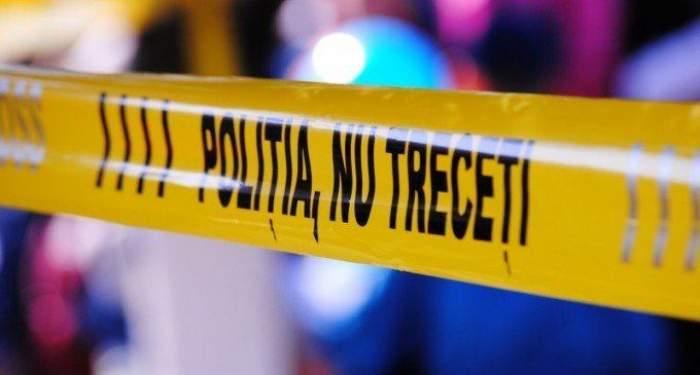 Un adolescent a fost găsit mort, cu capul tăiat şi pus într-o găleată. Băiatul era dat dispărut de câteva zile