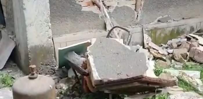 Explozie puternică într-o localitate din Harghita, din cauza unei butelii. Două persoane au murit, iar un copil e grav rănit / VIDEO