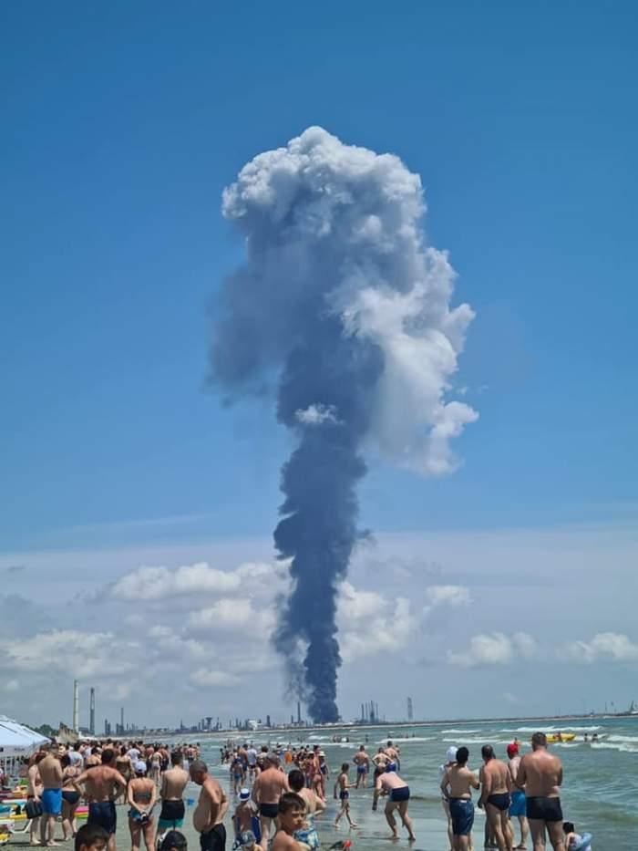 Explozie puternică la Petromidia Năvodari. Imaginile de coșmar surprinse la malul mării Negre / VIDEO