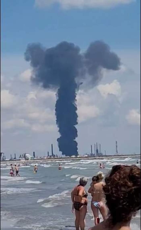 Andreea Bălan, pe plajă în momentul în care s-a produs explozia la Petromidia Năvodari. Ce a surprins vedeta cu telefonul mobil / VIDEO