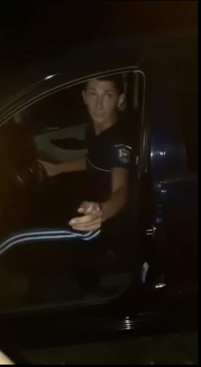 """Un fals polițist din Timișoara, prins în timp ce legitima oameni pe stradă și le cerea telefoanele: """"Domnu' Poliția Română"""" / VIDEO"""