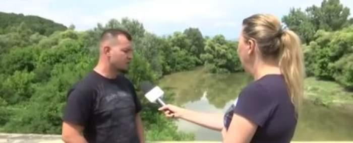 Frizerul, pe marginea Jiului, dă interviu