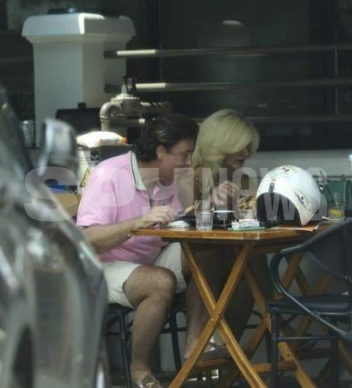 Edy de România și soția mănâncă în oraș