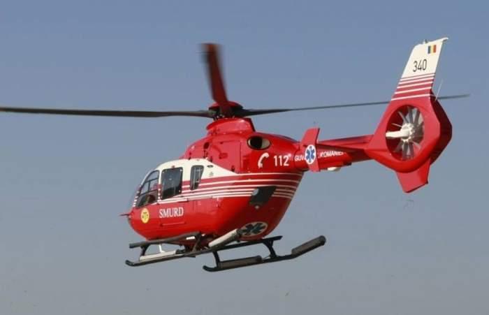 Copil de un an și jumătate, transportat de urgență la spital cu un elicopter după ce s-a opărit cu apă clocotită. Micuțul are arsuri de gradul 2 pe întregul corp
