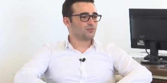 Radu Mazăre Jr, în cămașă albă