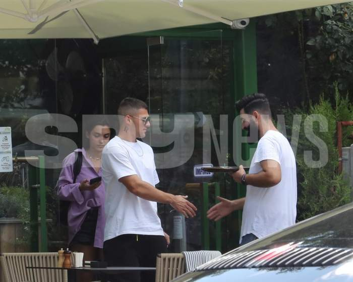 Alexia Eram a renunțat la inelul de logodnă de față cu Mario Fresh. Fiica Andreei Esca i l-a înmânat înapoi la restaurant / PAPARAZZI