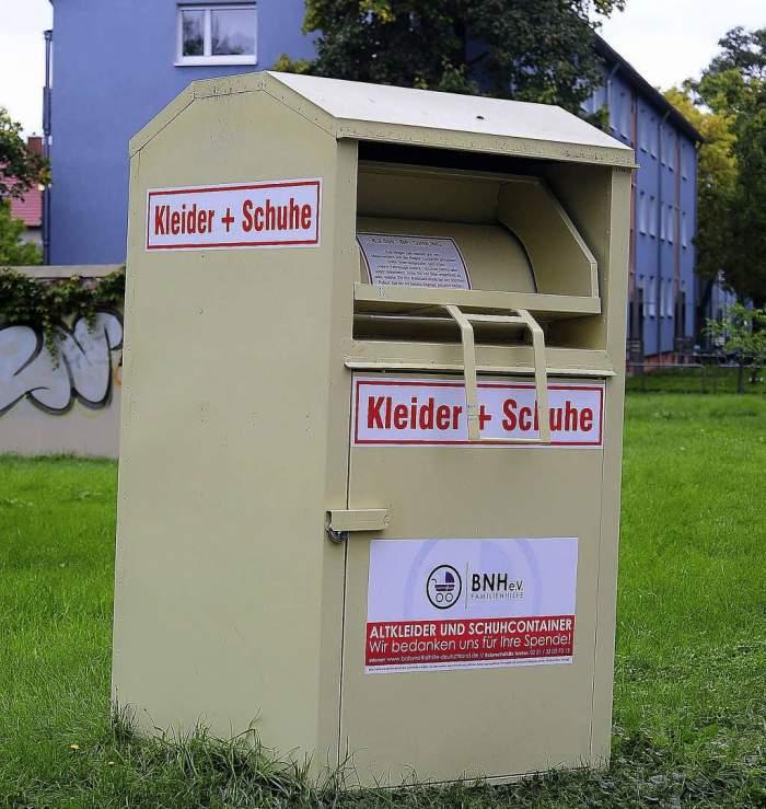 O româncă de 25 de ani a fost găsită moartă în Germania, în containerul de haine uzate. Tânăra plecase la muncă alături de soțul ei