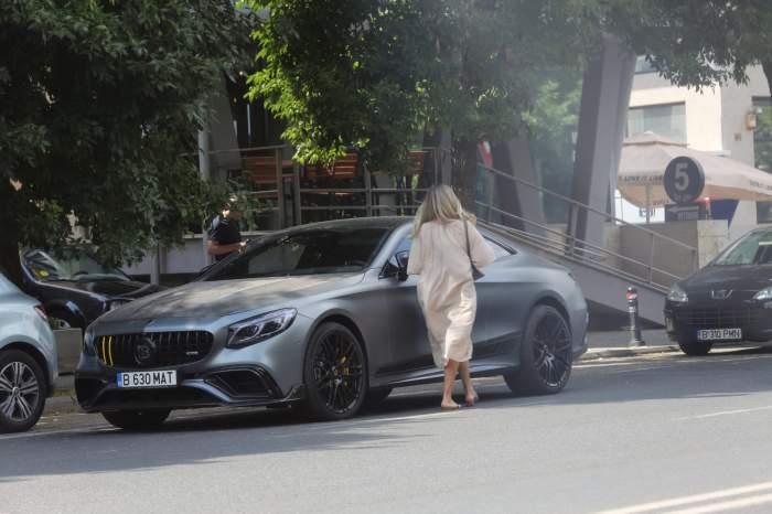Viviana Rădoi este dispusă să încalce chiar și regulile de circulație pentru a nu întârzia la clinica de înfrumusețare. Cum a fost surprinsă soția selecționarului / PAPARAZZI